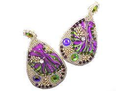 Grandes boucles d'oreilles shibori,swarovski et perles de verre : Boucles d'oreille par zaza