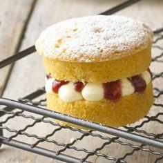 A Lakeland recipe for Mini Victoria Sponge Cakes, happy cooking!