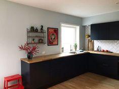 @hannebergsaker Corner Desk, Furniture, Home Decor, Homemade Home Decor, Corner Table, Home Furnishings, Interior Design, Home Interiors, Decoration Home