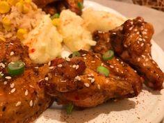 Jamaikai ropogós csirkeszárnyak édes-chili szósszal   Mediterrán ételek és egyéb finomságok... Chili, Bacon, Meat, Chicken, Food, Chile, Essen, Meals, Chilis