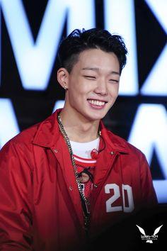Love that smile -Bobby Jonghyun, Style Asiatique, Bobby S, Bobby Kpop, Ikon Member, Winner Ikon, Ikon Kpop, Ikon Debut, Ikon Wallpaper