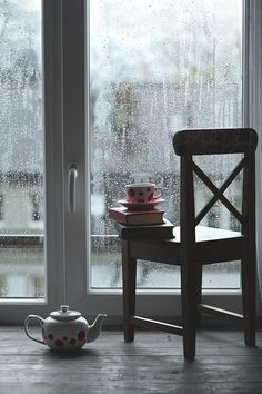 Books, Tea and Rainy Days