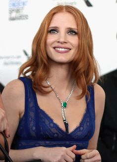 Actress Jessica Chastain in an white gold necklace set with sapphire beads, emeralds and diamonds from the Extremely Piaget jewelry collection Jewel Tone Colors, Jewel Tones, Jessica Chastain, Red Hair Inspiration, Hair Inspo, Piaget Jewelry, Actress Jessica, Gray Eyes, Hazel Eyes