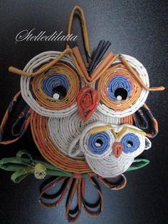 STELLEDILATTA: Gufetto n°5 Owl Crafts, Diy Arts And Crafts, Hobbies And Crafts, Recycled Paper Crafts, Newspaper Crafts, Quilled Paper Art, Quilling Paper Craft, Origami, Magazine Crafts