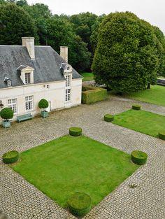 hubert-de-givenchy-chateau-de-jonchet-diego-giacometti-christies-auction-habituallychic-031