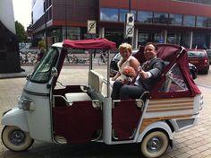 Vespa tuktuk met chauffeur huren bij www.mytuk.nl