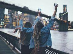 Imagem de friends, city, and friendship Pinterest ❀ ohspringtime