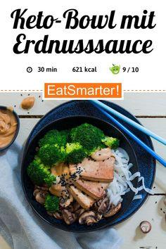 Keto-Bowl mit Erdnusssauce    eatsmarter.de Vegan Christmas, Tomato Sauce, Roast, Beef, Fresh, Food, Power Bowl, Curry, Versuch