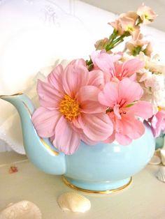 Teapot & Flowers