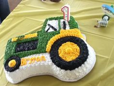 awesome tractor cake