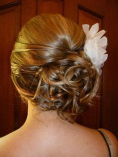 Love this idea for my hair for wedding day!
