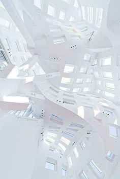 Lou Ruvo Center for Brain Health  By Frank O. Gehry