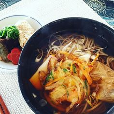 "Buck wheat noodles w/ vegetable tempura ""toshikoshi soba"" 年越しそば(year-crossing soba) to wish for a long lasting life. Everyone have a wonderful new year皆さま、どうぞ良いお年をお迎えくださいませ #thejapanesecuisine #buckwheat #noodles #downtoearthfs #healthy#tempura #soba #蕎麦#和食#ヘルシー#天ぷら #ケータリング"
