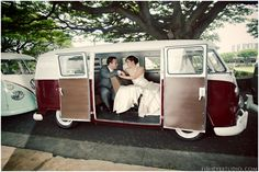 Le Magnifique: Honolulu, Hawaii Wedding by Fisheye Studio    #weddings #bride #groom