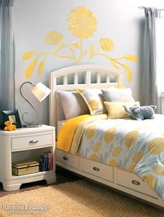 Looking to add a piece of artwork to your child's room, but can't find the perfect one? Make one! Painted wall art is great to make the room personalized and fun.