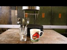 Crushing dishes with hydraulic press