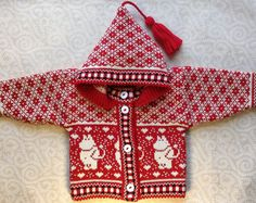 Trendy winter cardigan for children with moomin by LanaNere Knitted Hats Kids, Knitted Baby Clothes, Baby Barn, Winter Cardigan, Moomin, Knit Mittens, Baby Knitting, Knit Crochet, Knitting Patterns