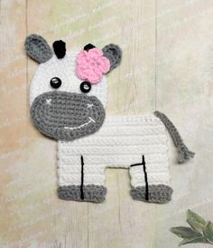 cow applique Crochet pattern, cute applique pattern for bags, crafting, scrapbooking and nursery wall art! Crochet Cow, Crochet Daisy, Crochet Gifts, Crochet Motif, Single Crochet, Crochet Hooks, Free Crochet, Double Crochet, Crochet Dollies