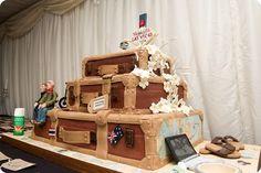 Suitcase Wedding Cake!