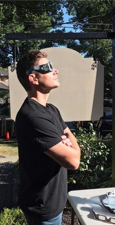 Jensen watching the 2017 solar eclipse