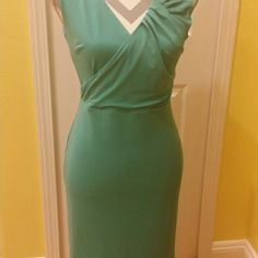 Ann Taylor fitted true to size dress This beautiful fitted Ann Taylor dress is fully lined,and the measurements are as follows: Chest=15.5 inches, and 36 inches long. Very flattering on,and fits true to size. Ann Taylor Dresses