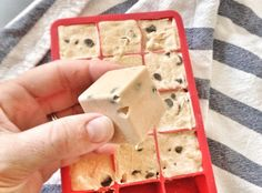 Summer and autumn are a great time to show your favorite dog some love with these frozen yogurt treats. Trick them out with add-ins like bacon or jerky to make them extra special. Puppy Treats, Diy Dog Treats, Homemade Dog Treats, Dog Treat Recipes, Dog Food Recipes, Food Tips, Frozen Yogurt, Frozen Frozen, Greek Yogurt