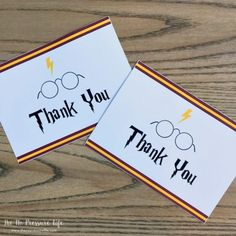 These free printable Harry Potter thank you notes are the perfect cards to show appreciation after your Harry Potter Party! Get them plus see lots of other easy Harry Potter party favor ideas. Cadeau Harry Potter, Harry Potter Candy, Harry Potter Free, Harry Potter Games, Harry Potter Printables, Harry Potter Invitations, Harry Potter Birthday Cards, Harry Potter Bday, Harry Potter Classroom