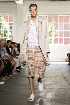 A look from the Duckie Brown Spring 2015 RTW collection.