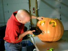 Gonna need this for those huge pumpkins I want from Sams! Carving a giant pumpkin with a Black and Decker Jigsaw - Extreme Pumpkin Carving