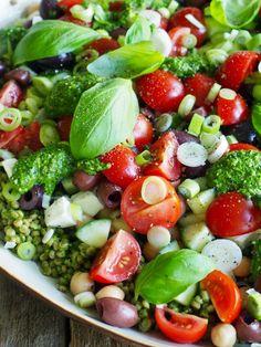 Enkel salat som passer til det meste - Mat På Bordet