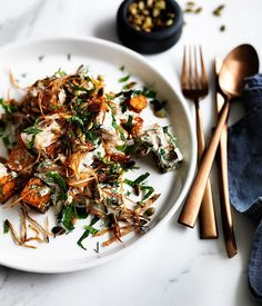 Recipe for fried pumpkin with yoghurt-herb dressing and crisp onion.