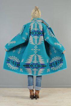 Vintage Coats Pendleton fabric or blanket coat, some people use the yardage and others a blanket.less expensive made from the yardage, same quality. Boho Fashion, Winter Fashion, Womens Fashion, Ankara Fashion, Africa Fashion, Tribal Fashion, Mode Style, Style Me, Pendleton Fabric