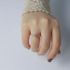 Shine bright like a diamondwhite stone & flowers ring . . . Ted&Mag Jewelry studio . . . . . . #diamond #flower #ring #tedandmag #etsy #jewelry #shesaidyes #youareadiamond