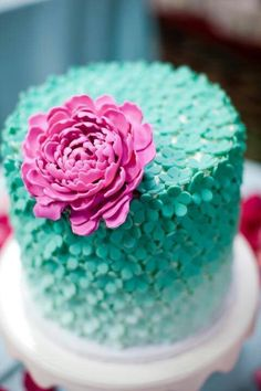 mint turquoise cake design with beautiful pink flower decorations, perfect for a party or wedding, so pretty Gorgeous Cakes, Pretty Cakes, Cute Cakes, Yummy Cakes, Amazing Cakes, Fancy Cakes, Mini Cakes, Cupcake Cakes, Cake Fondant