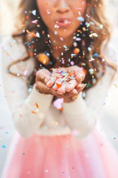 White Long-Sleeve Shirt, Pale Pink Tulle Skirt, Curled Locks, Blowing Multi-Colored Confetti // celebrate the little things Petite Fashion, Pink Fashion, 90s Fashion, Creative Photography, Portrait Photography, Alone Photography, Fashion Photography, Kreative Portraits, Sweet 16 Photos