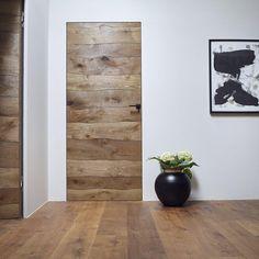 "Gefällt 1,489 Mal, 15 Kommentare - Josko Fenster und Türen GmbH (@josko_official) auf Instagram: ""Impressing #harmony of #living in colour N14 bog-look #oak (#door & #floor both)"""