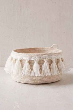 Assembly Home Coil Fringe Basket - Urban Outfitters (diy inspiration? Sisal, Rope Basket, Basket Weaving, Bamboo Basket, Estilo Tropical, Fabric Bowls, Makes You Beautiful, Diy Décoration, Diy And Crafts
