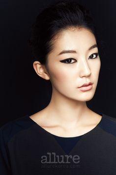 Allure Korea Dramatic Monolid Eyeliner