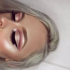 Eye Makeup Tips.Smokey Eye Makeup Tips - For a Catchy and Impressive Look Glam Makeup, Eye Makeup, Kiss Makeup, Flawless Makeup, Pretty Makeup, Makeup Inspo, Hair Makeup, Makeup Art, Rose Gold Makeup
