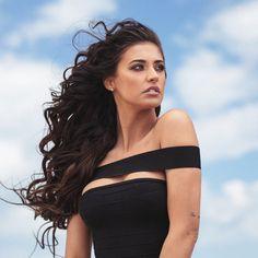 Antonia Iacobescu ( – Hair Plus Bare Romanian Women, How To Curl Short Hair, Beautiful Wife, Beautiful Ladies, Fashion Corner, Girls Image, Cute Hairstyles, Dyed Hair, Woman Face