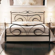 How to decorate home with wrought iron furniture