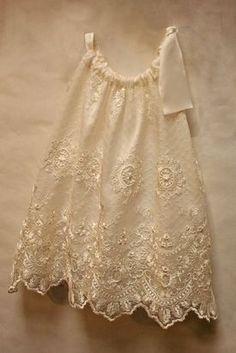 Chantilly Lace Pillowcase Dress by Isabel Garreton Little Dresses, Little Girl Dresses, Girls Dresses, Flower Girl Dresses, Trendy Dresses, Flower Girls, Baby Sewing, Kind Mode, Dress Patterns
