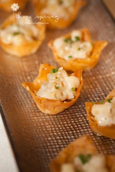 Truffled Mac 'n Cheese Poppers in crispy parmesean cups // late night wedding snack! | Lisa Dupar Catering, Seattle | Photo by Hope Spring Photography