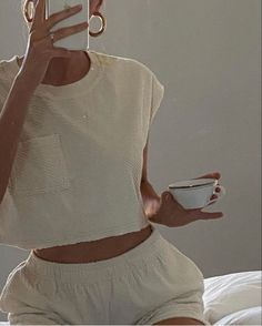 my cup of tea neutral lounge wear Look Fashion, Fashion Outfits, Womens Fashion, Classy Fashion, Fashion Tips, Fashion Trends, Looks Style, My Style, Summer Outfits