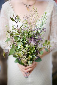 purple wildflowers and daisy bouquet | Read More - http://onefabday.com/dublin-city-hall-wedding-2/
