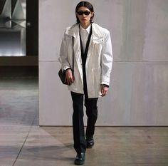 Men Fashion Show, Mens Fashion, Coat, Jackets, Moda Masculina, Down Jackets, Man Fashion, Sewing Coat, Peacoats