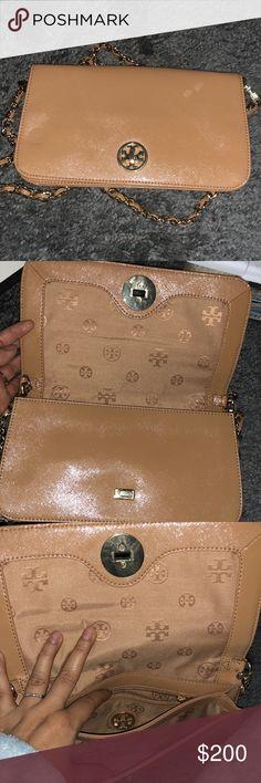 Tan Tory Burch purse Tan Tory Burch purse Tory Burch Bags Crossbody Bags
