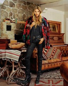 ralph lauren - Southwestern ROCKS in Black Leather, combat boots with heels, plaid flannel & navajo jacket ♥ Cowgirl Chic, Western Chic, Western Wear, Ralph Lauren Style, Polo Ralph Lauren, Ralph Laurent, Moda Boho, Autumn Winter Fashion, Winter Outfits