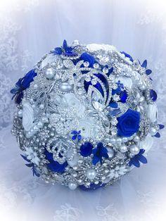 BROOCH BOUQUET. Luxurious Pure White Royal Blue Brooch bouquet. DEPOSIT on Sapphire Blue bridal crystal bling broach bouquet.