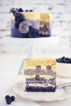 Tort ombre z borówką amerykańską